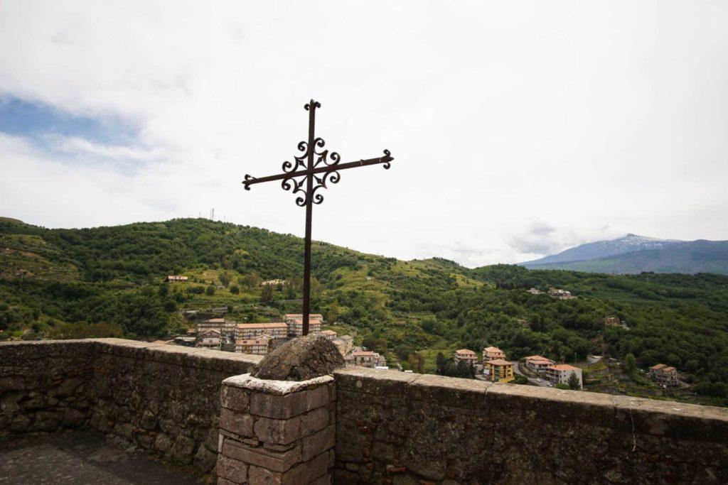 Кастильоне ди Сицилия крест