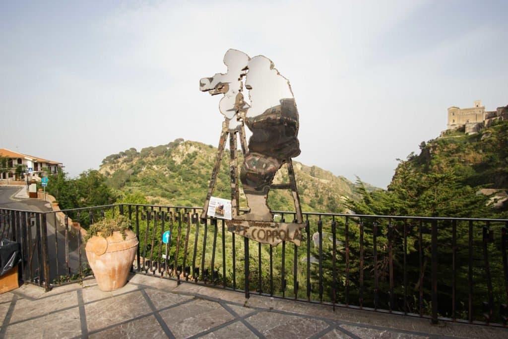 памятник Копполе