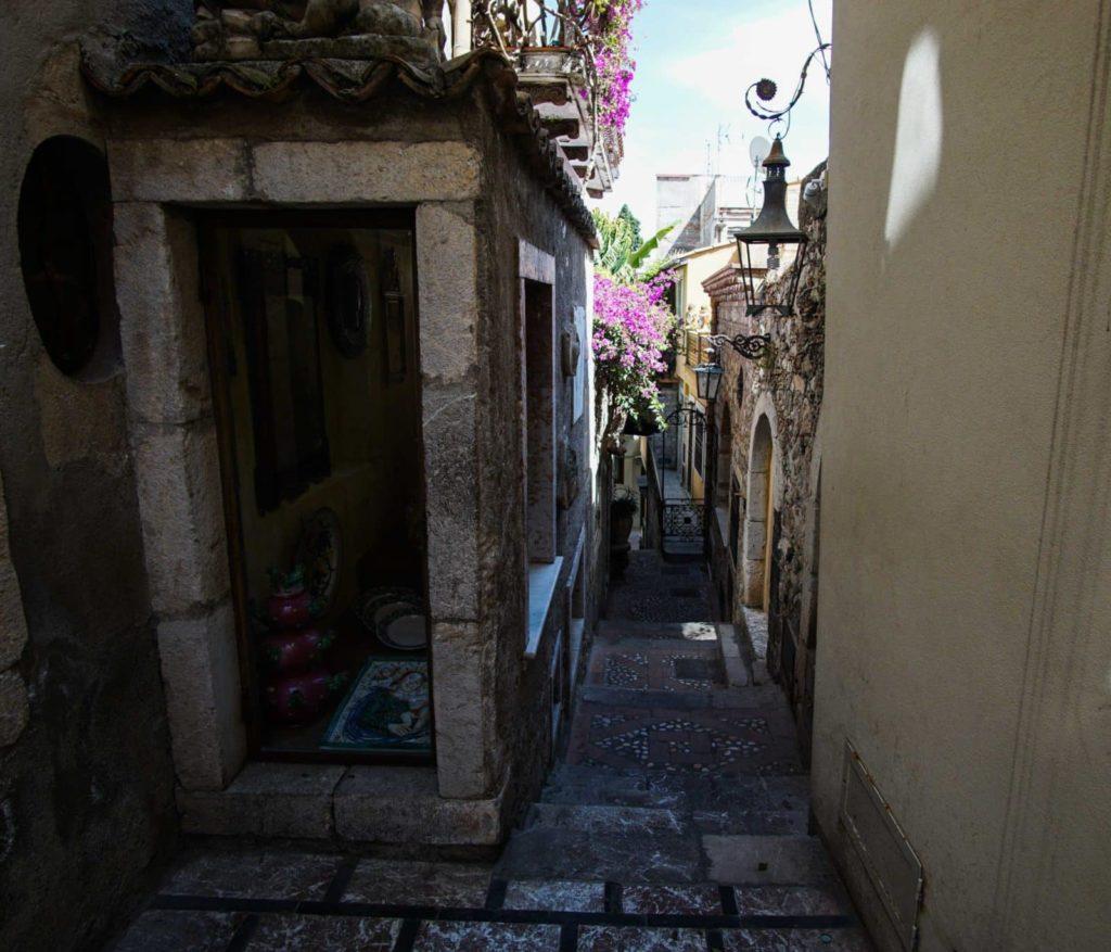 Улица в Таормине