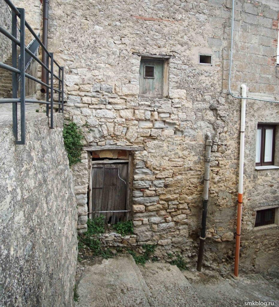 1 euro house Gangi