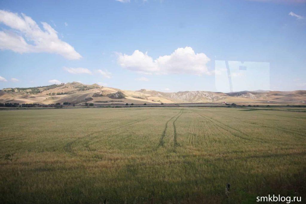 Сицилия пейзаж из поезда