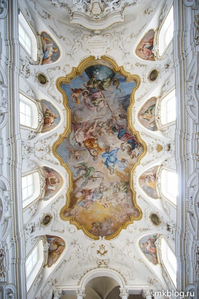 Потолок церкви Иисуса