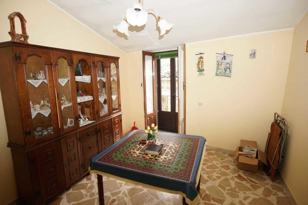 Комната в доме за 1 евро на Сицилии