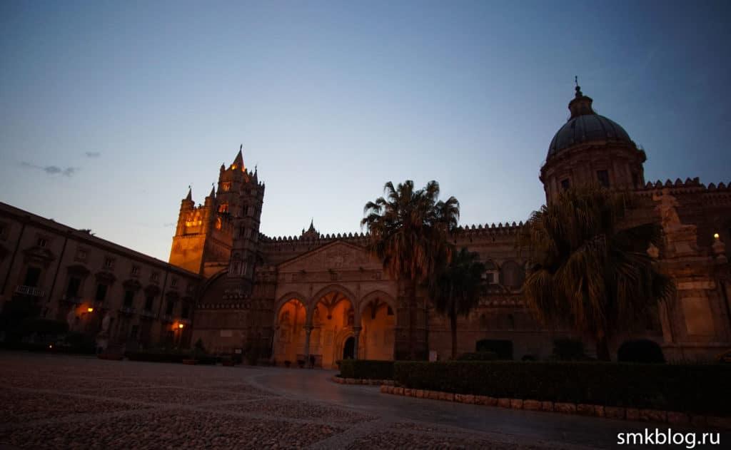 Палермо собор ночью