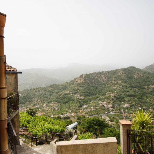 15. Деревня в горах
