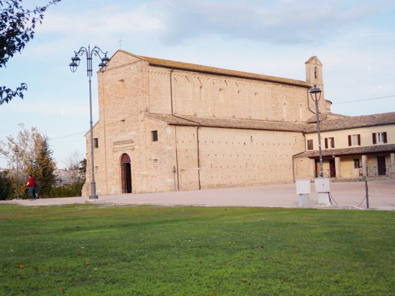 Abbazia di Santa Maria a Pie' di Chienti Marche