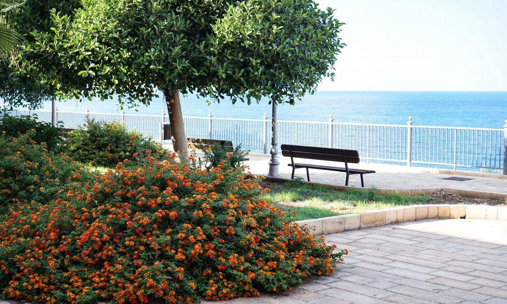 Поллини Сицилия море