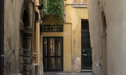 Узкая улочка Верона